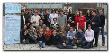Gruppenfoto vom Robotik-Kurs 2006/07